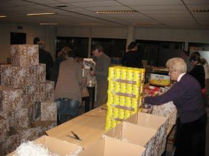 Kerstpakketten inpakken 30